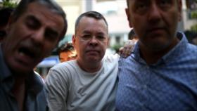 Tribunal turco rechaza liberar al pastor estadounidense