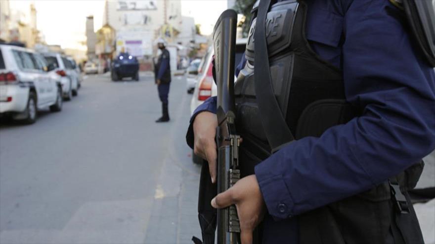 Fuerzas saudíes tirotean a un secuaz de EIIL cerca de Riad