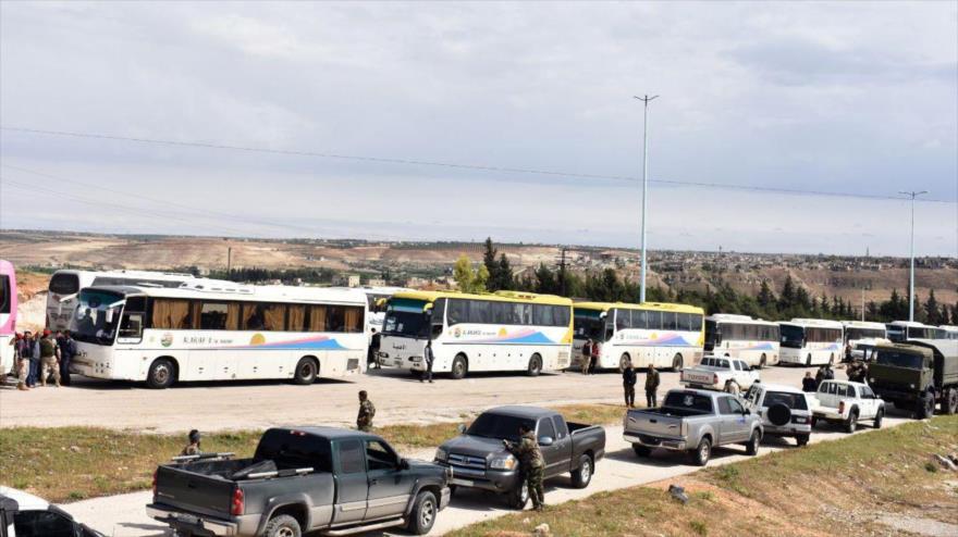 650 'rebeldes' evacuan la provincia siria de Homs rumbo a Idlib