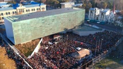 Masivo rechazo en Chile a negación de crímenes de la dictadura
