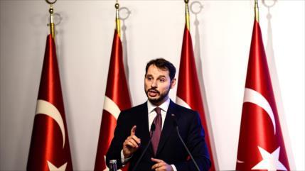 Turquía promete superar problemas económicos creados por EEUU