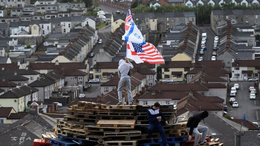 Irlandeses queman bandera Israelí y recuerdan a víctimas palestinas