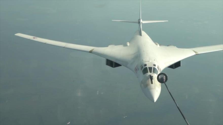 Vídeo: Rusia ensaya un repostaje en vuelo de un 'cisne nuclear'