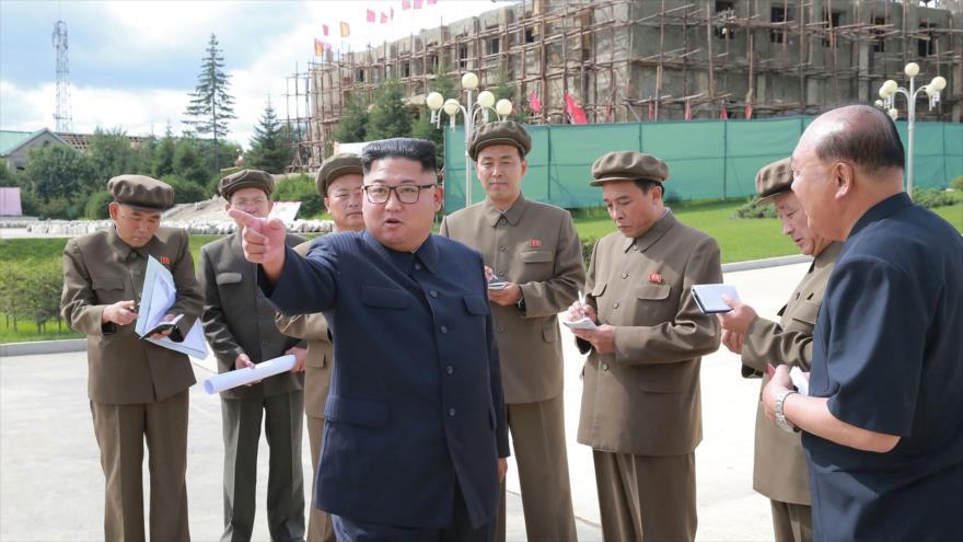 Kim Jong-un critica sanciones de 'fuerzas hostiles'