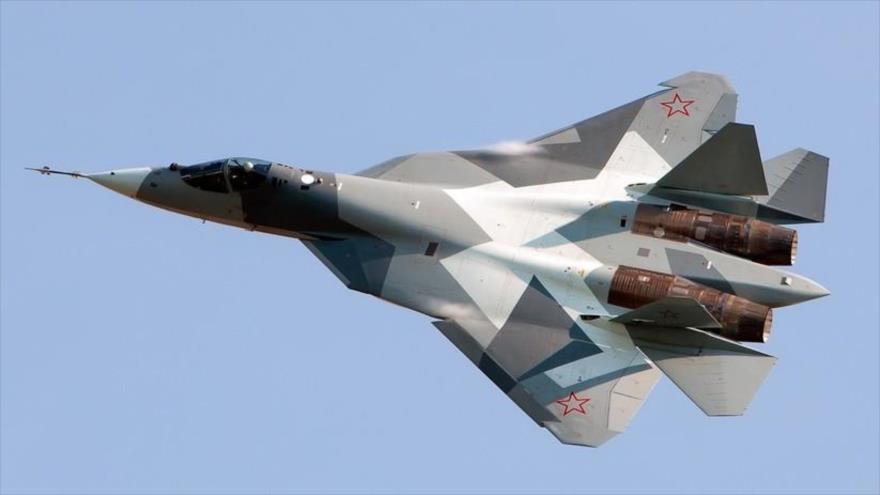 Un avión de combate ruso de quinta generación, modelo Sujoi su-57.