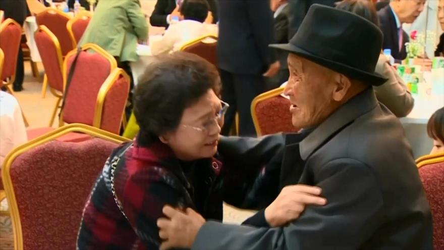 Coreanos separados por la guerra se reúnen después de décadas