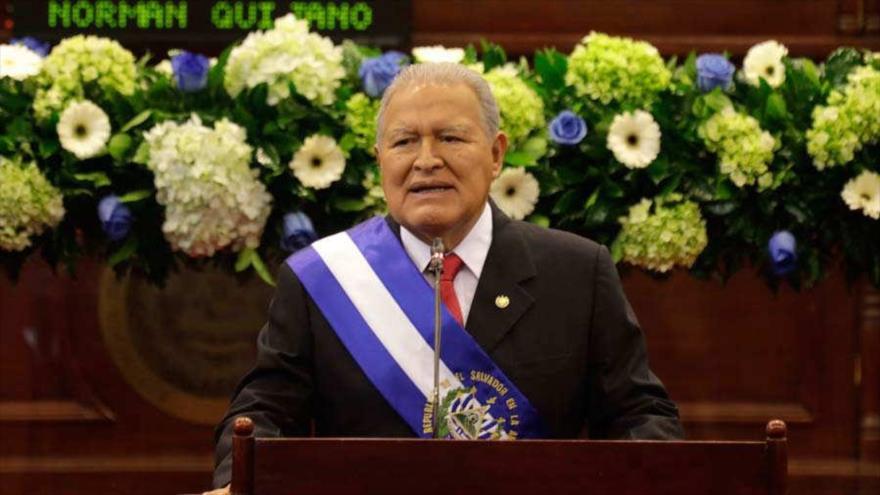 Taiwán denuncia chantaje y El Salvador se va con China