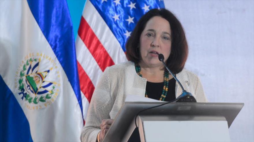La embajadora de EE.UU. en El Salvador, Jean Manes.