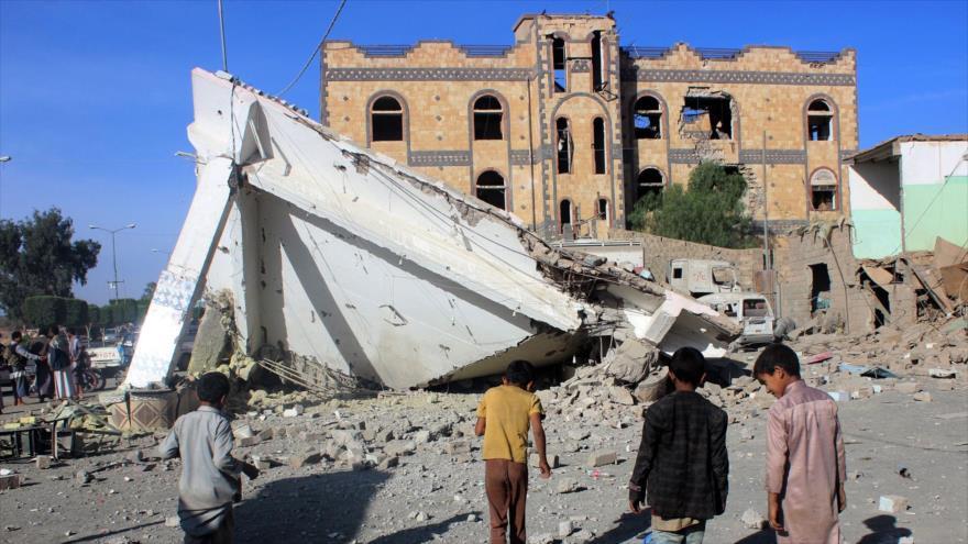 Cazas saudíes vuelven a bombardear a zonas residenciales en Yemen
