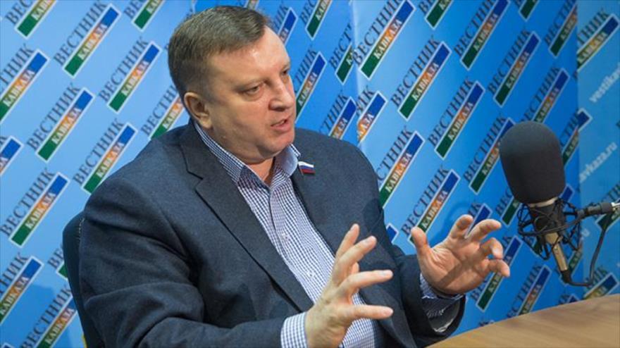 Senador ruso pide que Moscú no importe material tecnológico de EEUU