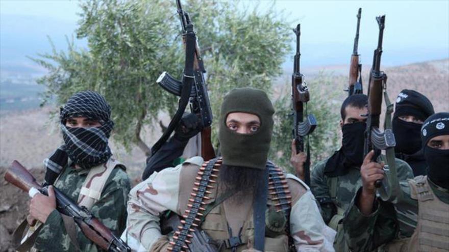 Los efectivos del grupo terroristas EIIL (Daesh, en árabe) en Siria