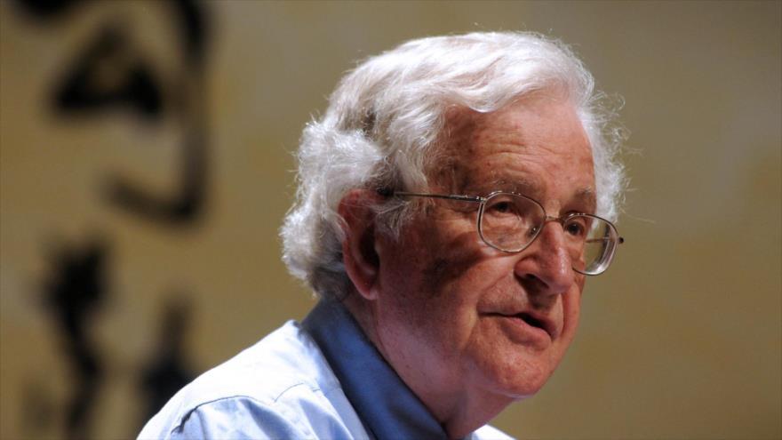 Politólogo y lingüista estadounidense Noam Chomsky