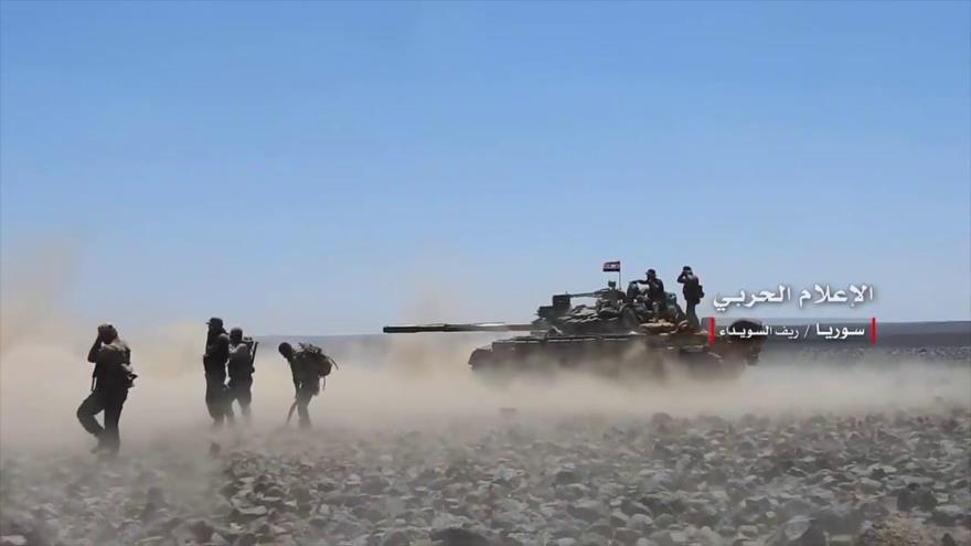 Las fuerzas del Ejército sirio durante una operación contra los terroristas de Daesh en la provincia sureña de Al-Sweida.