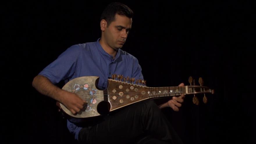 Irán: 1. La fiesta de Noruz Bal 2. El instrumento musical Robab 3. Las casas históricas en Golpayegan