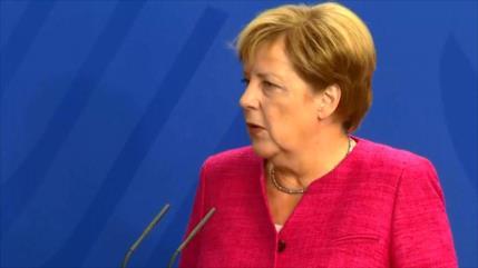 Merkel repudia la 'caza' de extranjeros en Alemania