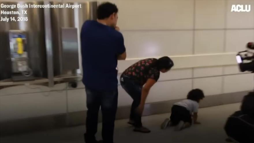 Vídeo: Niño no reconoce a padres tras separación forzada en EEUU