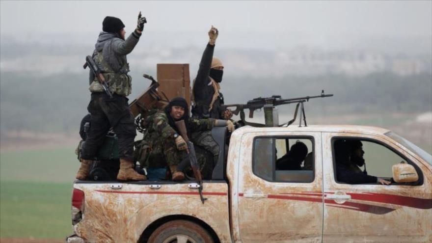 Rusia: Cascos Blancos proveen sustancias tóxicas a terroristas en Idlib