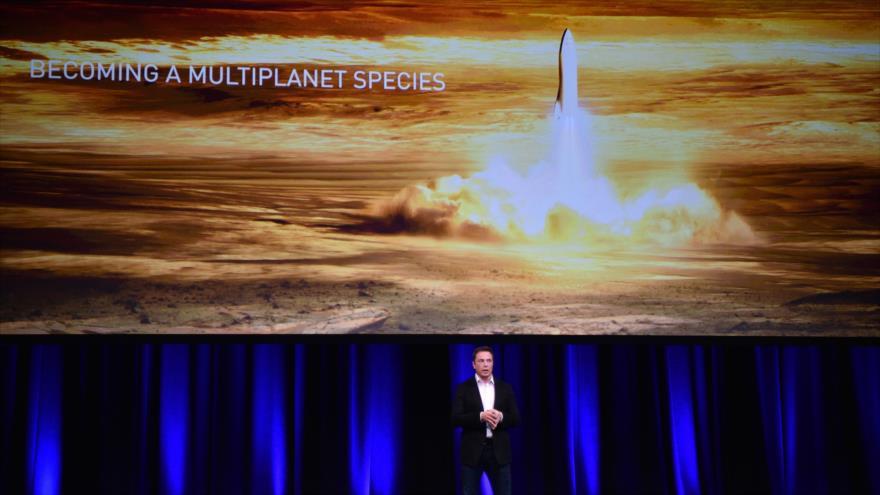 El presidente de SpaceX, Elon Musk, anuncia la colonización de Marte para 2024, en el Congreso Internacional de Aeronáutica en México en 2016.
