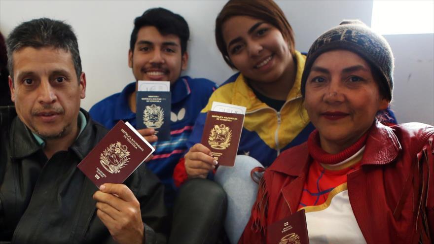 Migrantes venezolanos en Perú regresan a su patria