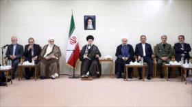 Ayatolá Jamenei rechaza cualquier negociación con EEUU