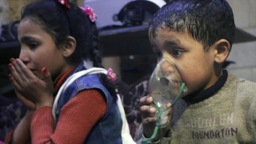 Víctimas de un supuesto ataque químico en la ciudad siria de Duma, abril de 2018. (Foto: AFP)
