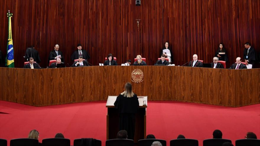 Tribunal invalida candidatura de Lula; PT llama a la movilización