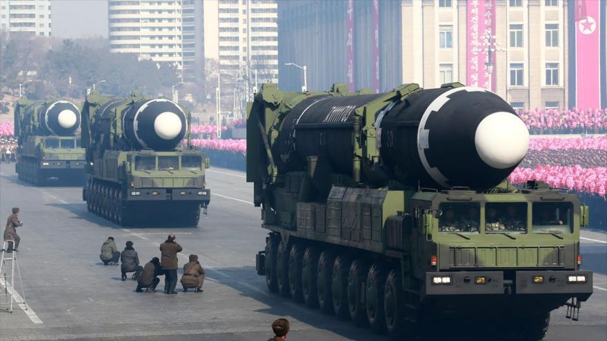 """Pyongyang se prepara para un gran desfile militar sin ICBM"""