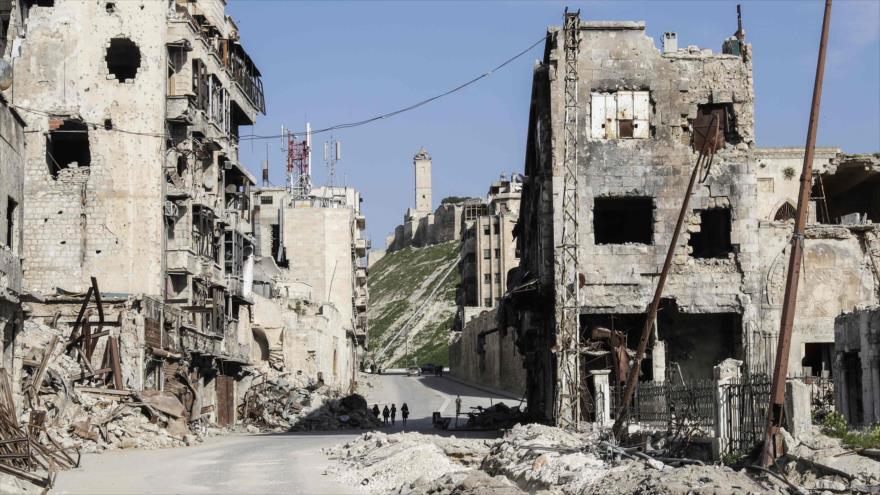 El foto tomada el 9 de marzo de 2017 en Alepo, norte de Siria, muestran la bárbara destrucción que han causado los terroristas en esta ciudad.