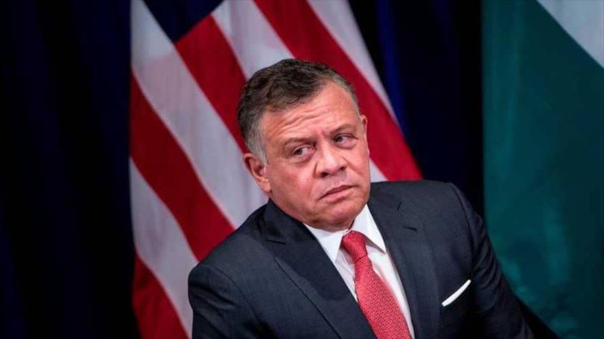 """Rey de Jordania califica de """"línea roja"""" una confederación con Palestina"""