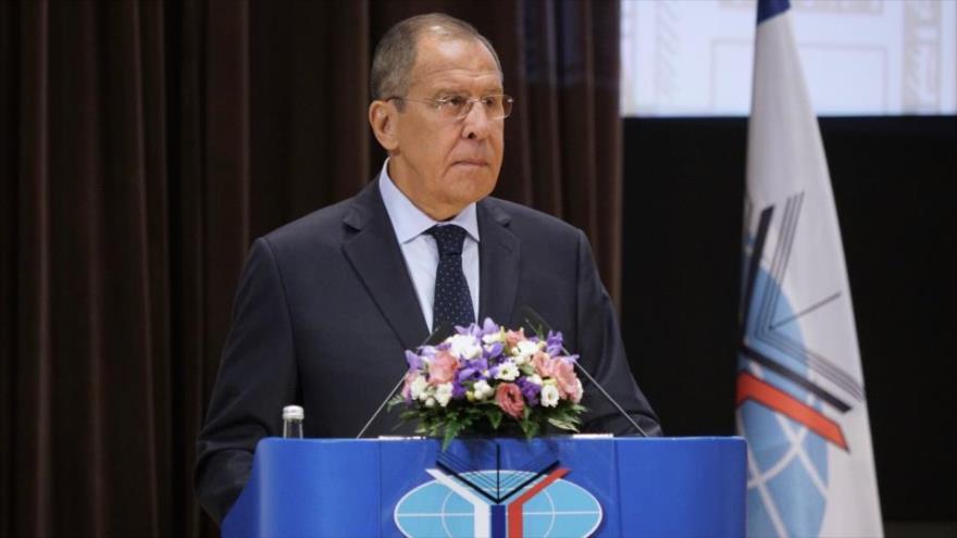 Lavrov: EEUU usa el dólar como arma para castigar a otros países
