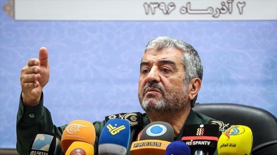 Mohamad Ali Yafari, el comandante en jefe del Cuerpo de Guardianes de la Revolución Islámica (CGRI) de Irán durante una rueda de prensa.