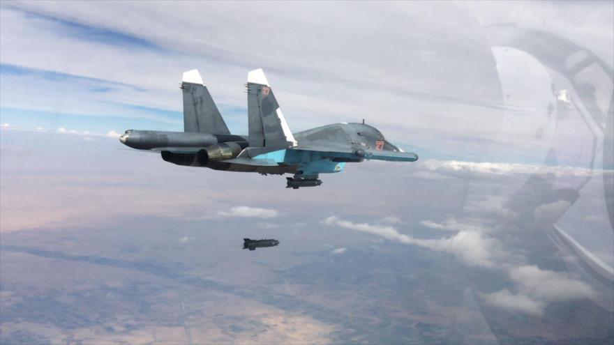 Un caza ruso Su-34 ruso durante una misión de bombardeo en Siria.