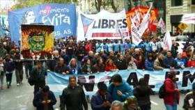 Protestan en Argentina contra recortes y el acuerdo con FMI