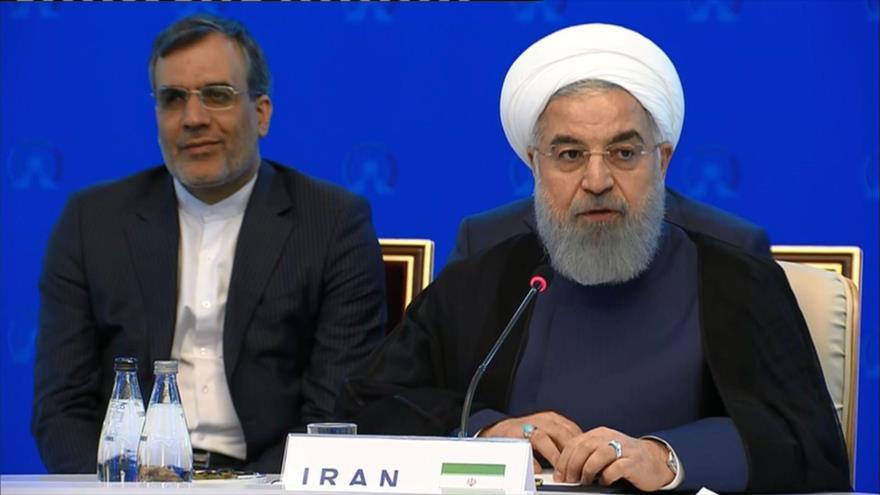 Rohani: Esfuerzos de Irán, Rusia y Turquía crearán la paz en Siria