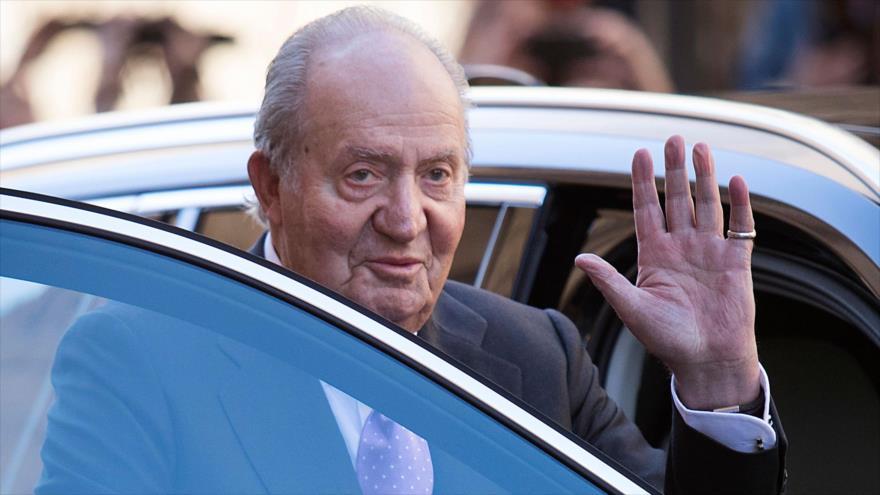 El rey emérito de España, Juan Carlos I, tras un evento en Palma de Mallorca, 1 de abril de 2018. (Foto: AFP)