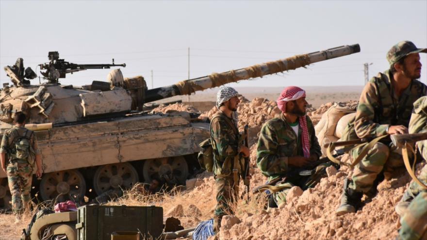Las fuerzas del Ejército sirio se preparan para atacar las posiciones de los terroristas.