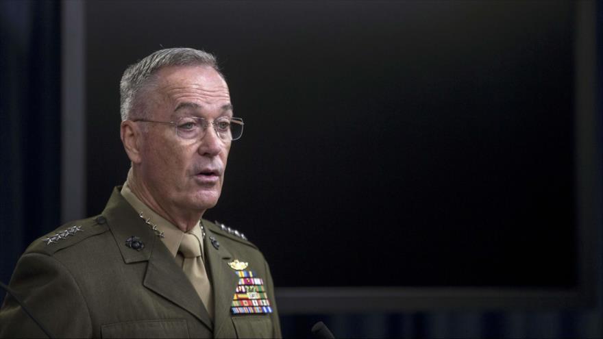 El presidente del Estado Mayor Conjunto de EE.UU., Joseph Dunford, durante una conferencia de prensa en el Pentágono, 28 de agosto de 2018. (Foto: AFP)