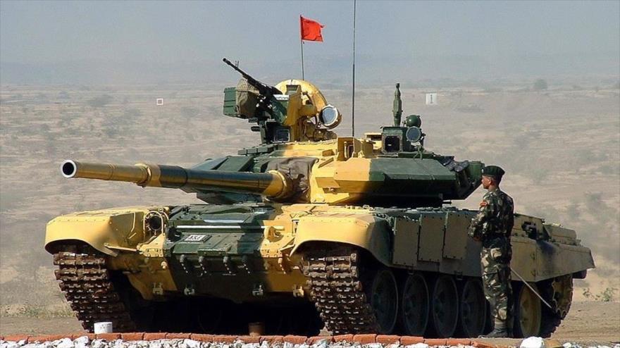 Un tanque T-72, de producción rusa, del Ejército de Vietnam.
