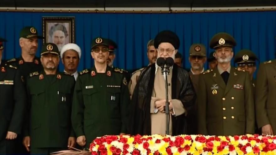 Líder de Irán: R.I. logra derrotar a EEUU confiando en la nación