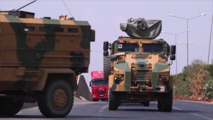 Vídeo: Convoy militar turco se dirige a la frontera con Siria