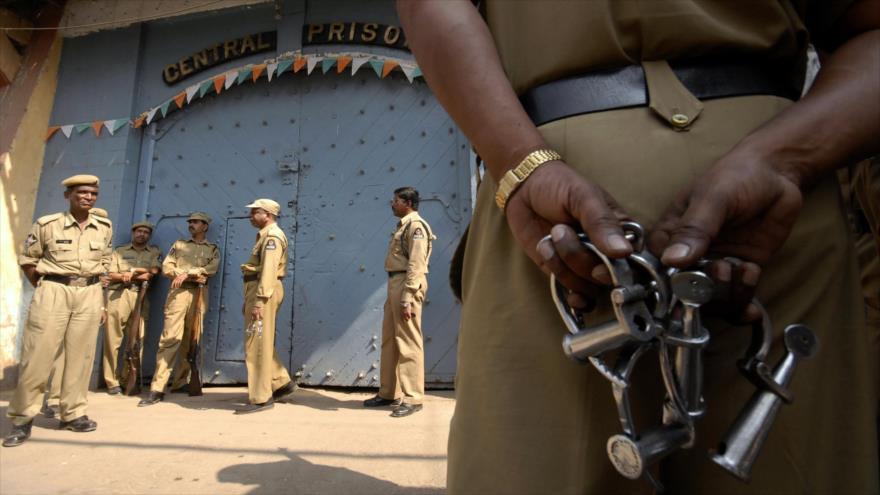 Vídeo: Un preso indio se fuga de cárcel tras matar a un guardia