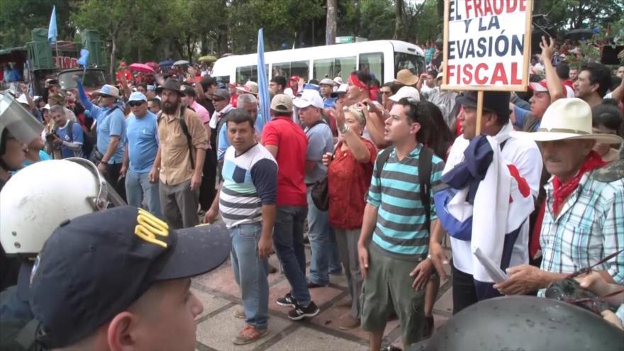 Costa Rica cumple otro día de huelga contra reforma fiscal