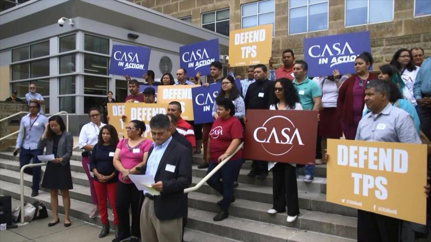 Salvadoreños tachan de 'racista' la cancelación del TPS por Trump