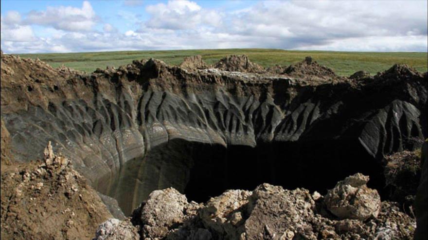 Agujero del 'fin del mundo' de Siberia fue causado por la actividad de criovulcanismo en la Tierra.