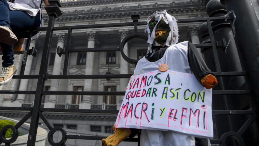 FMI suspende envío de $ 3000 millones de ayuda a Argentina