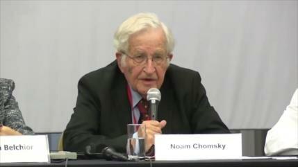 "Chomsky asegura que Lula debería ser candidato ""por derecho"""