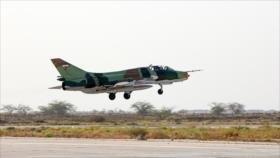 """Irán estrena misil guiado """"Bina-2"""" lanzado desde cazas Su-22"""