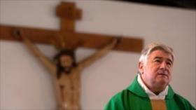 Papa expulsa a un cura chileno acusado de abuso sexual infantil
