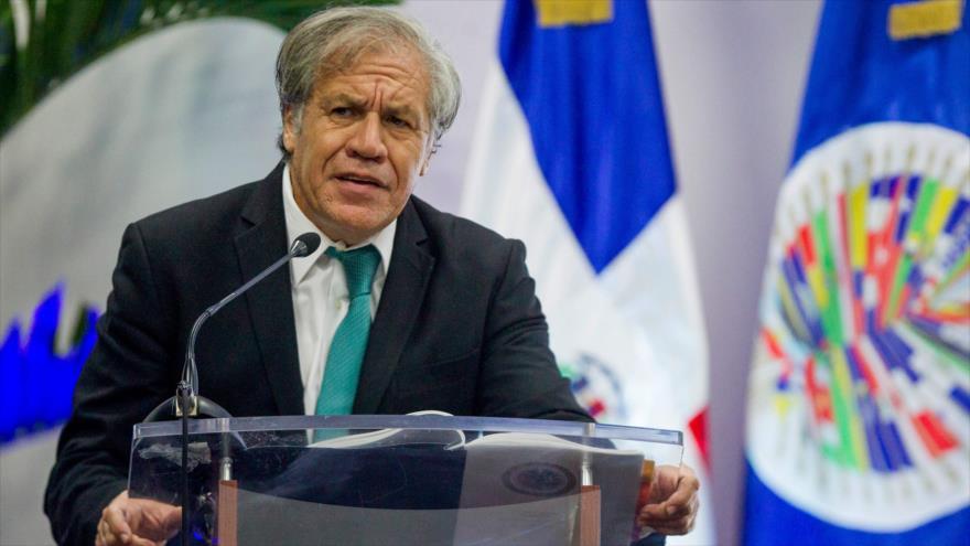 El secretario general de la Organización de Estados Americanos (OEA), Luis Almagro, habla en una rueda de prensa en Santo Domingo, 28 de agosto de 2018. (Foto: AFP)
