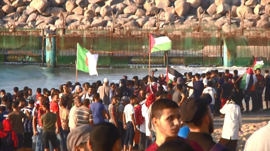 Palestinos en Gaza marchan contra asedio marítimo de Israel